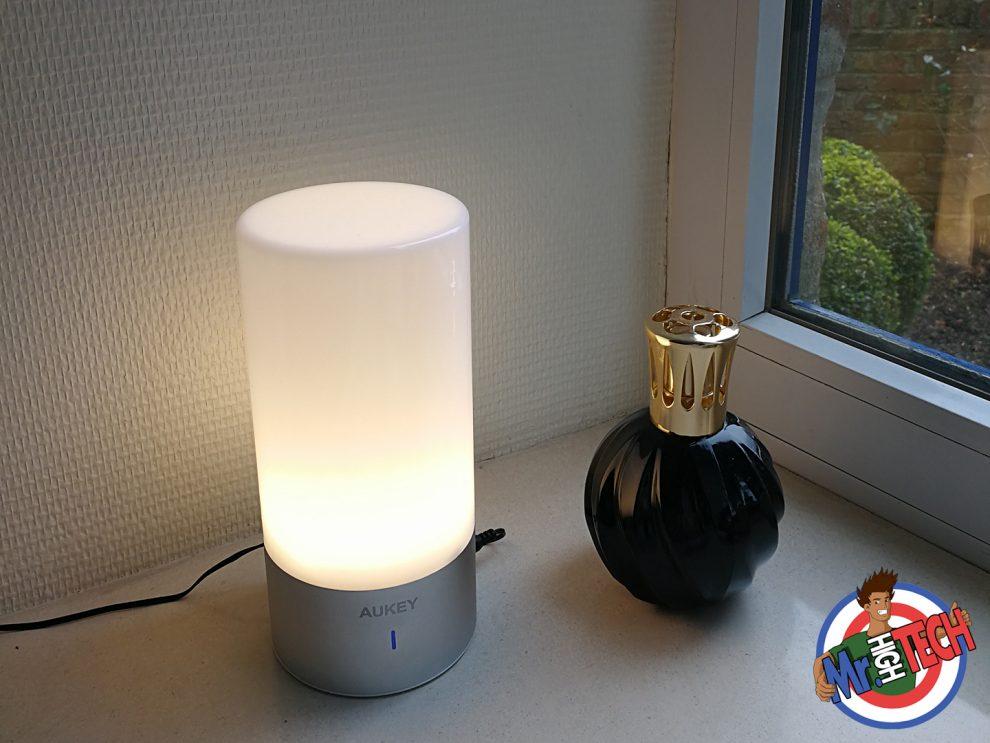 Lampe De Chevet Tactile Aukey Test De La Lampe Connectee Et Avis