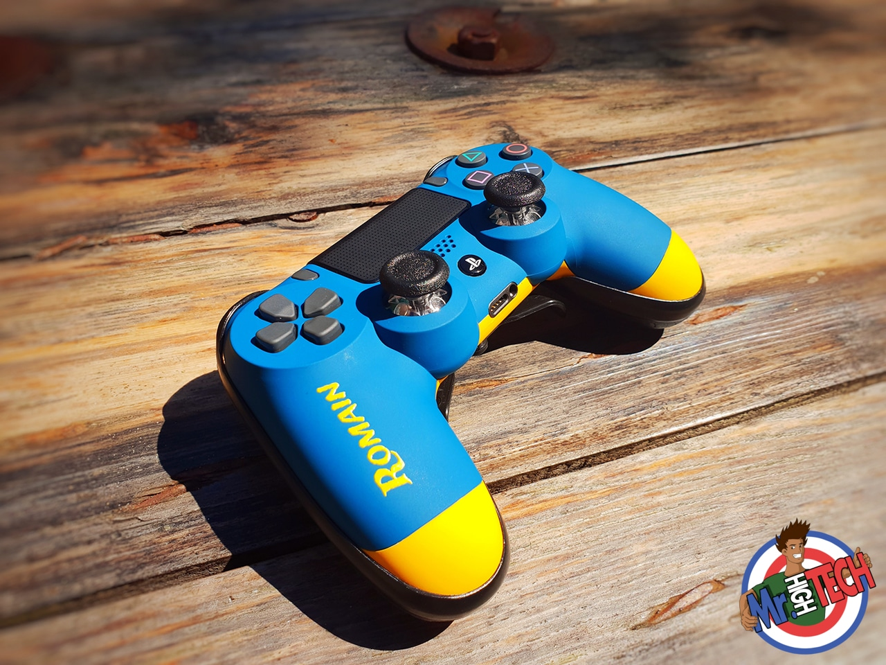https://www.mrhightech.fr/wp-content/uploads/2018/08/manette-ps4-perso-romain-1.jpg
